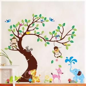 Samolepka na stenu - Mohutný strom